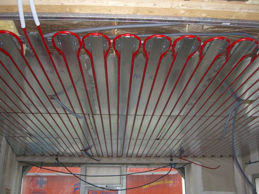 plafond chauffant avis affordable best mur chauffant hydraulique saint etienne store photo. Black Bedroom Furniture Sets. Home Design Ideas
